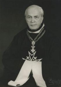 Michał Graf Potulicki in der Uniform eines Ritters des Malteserordens
