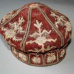 Ceremonialna czapka żydowska z synagogi